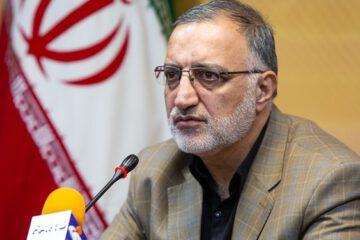 طبری به دلیل فعالیت در گروهک منافقین دستگیر و زندانی شده بود