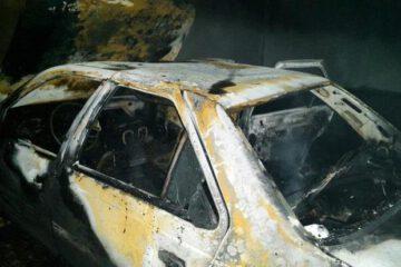 ۱۳ خودرو در پارکینگ توقیفی اکبر آباد در آتش سوختند